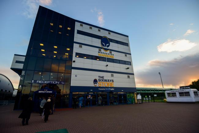 Worcester Warriors: Mike Robins dies after battle against cancer