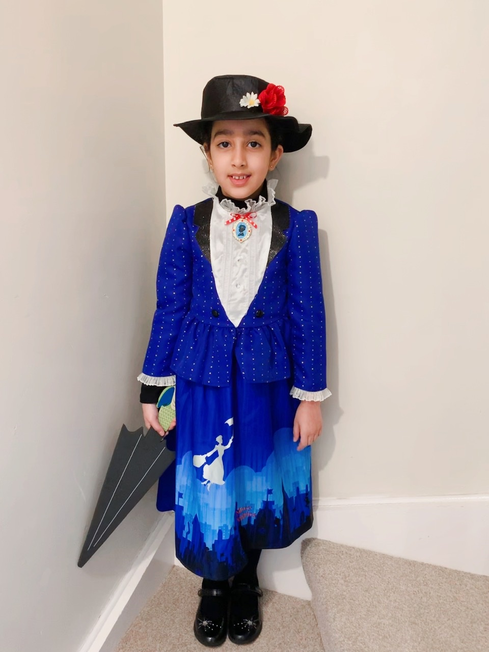 Droitwich Advertiser: Anaya Akbar, aged 9 as Mary Poppins