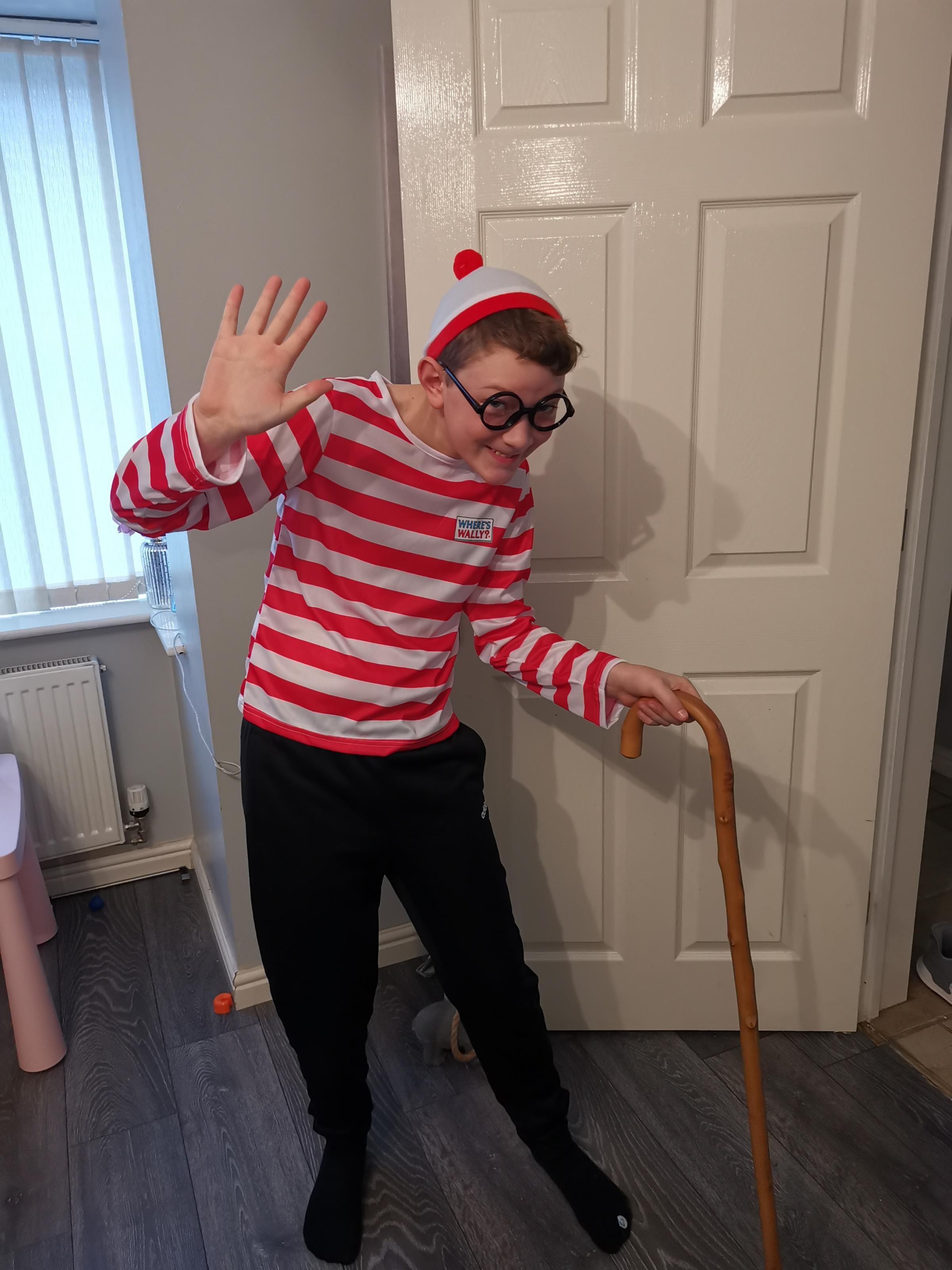 Droitwich Advertiser: World book day 2020Scarlett aged 4 as Mary poppinsJaidan aged 12 as Where's wally