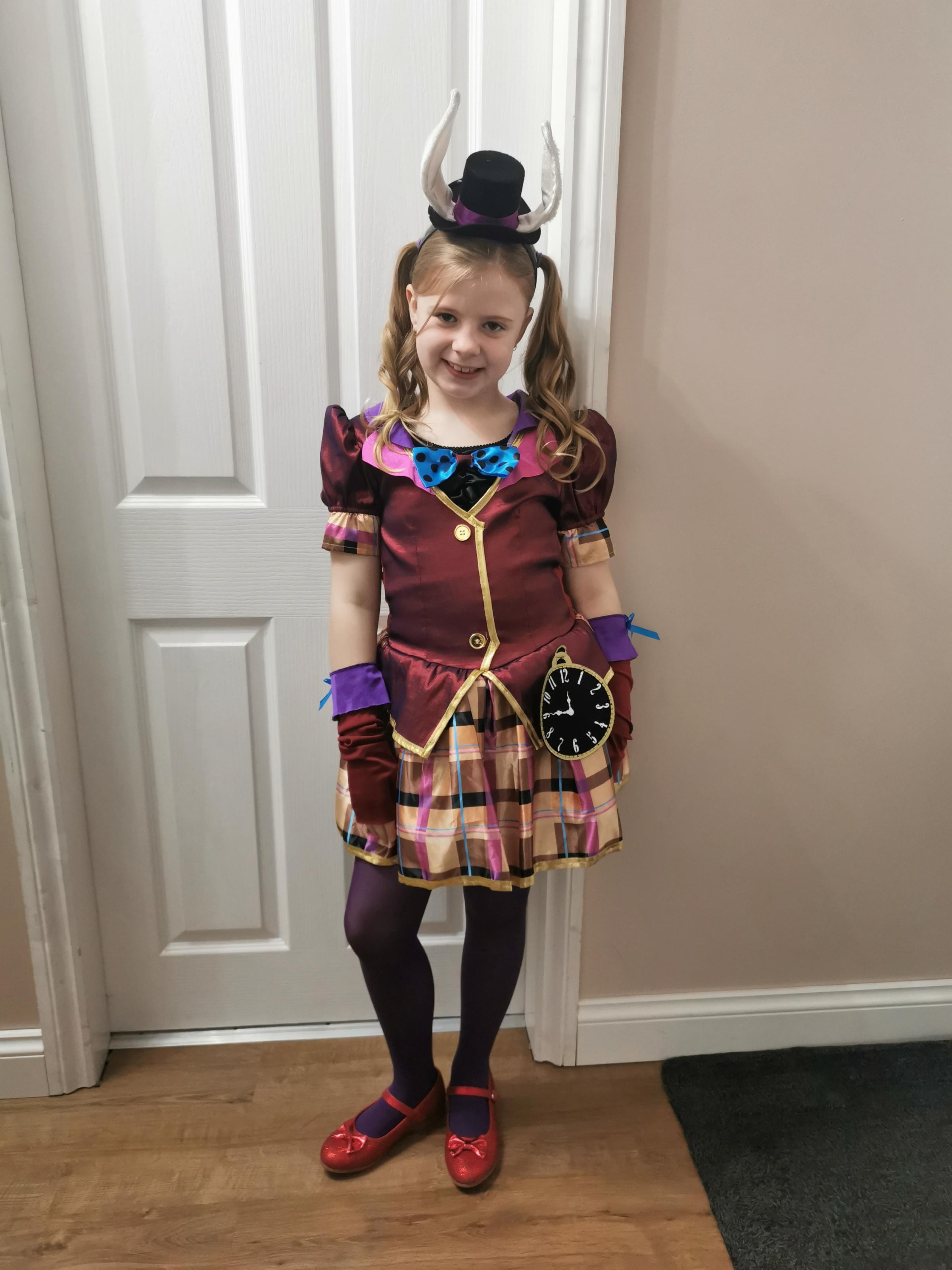 Droitwich Advertiser: World Book DayMad hatterAmber JonesAge 8Bewdley Primary School
