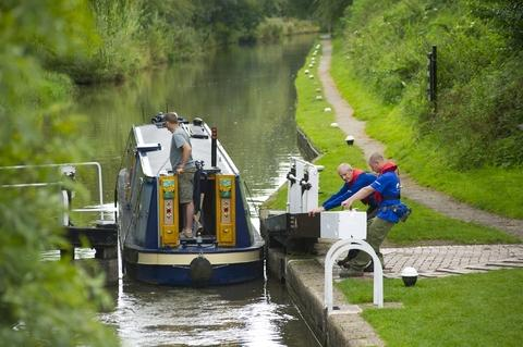 Volunteer lock keepers wanted to help Droitwich's canals.