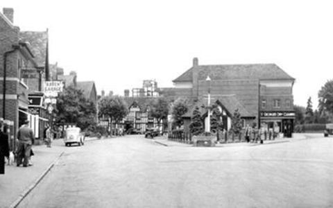 Victoria Square, Droitwich, c1955. Pic from The Francis Frith Collection.