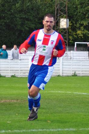 Mark Bellingham has left Bromsgrove Sporting and joined Hinckley.