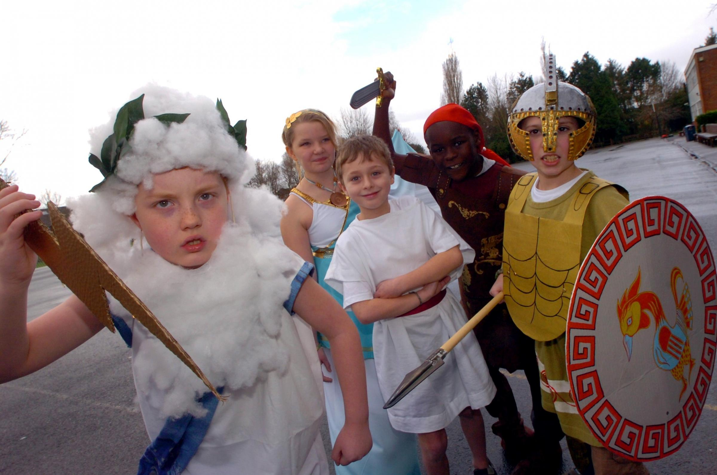 BMM051403Witton middle school ancient greece day: Connor Harris 9, Lucy Middleton 9, Samuel Bradburn, 9, Matthew Daniels 9 and Sal Silwimba, ten, (3679746)