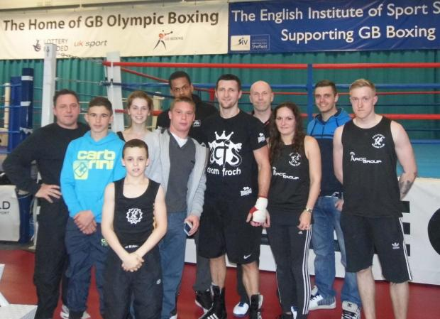 Droitwich Advertiser: Droitwich boxers with World Champion Carl Froch.
