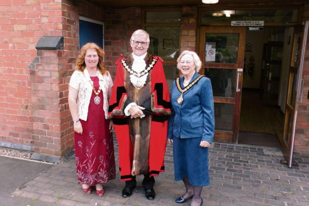 The new mayor of Droitwich Councillor Bob Brookes, with Councillor Lynne Duffy, chairman of Wychavon District Council, and Councillor Pam Davey, chairman of Worcestershire County Counc