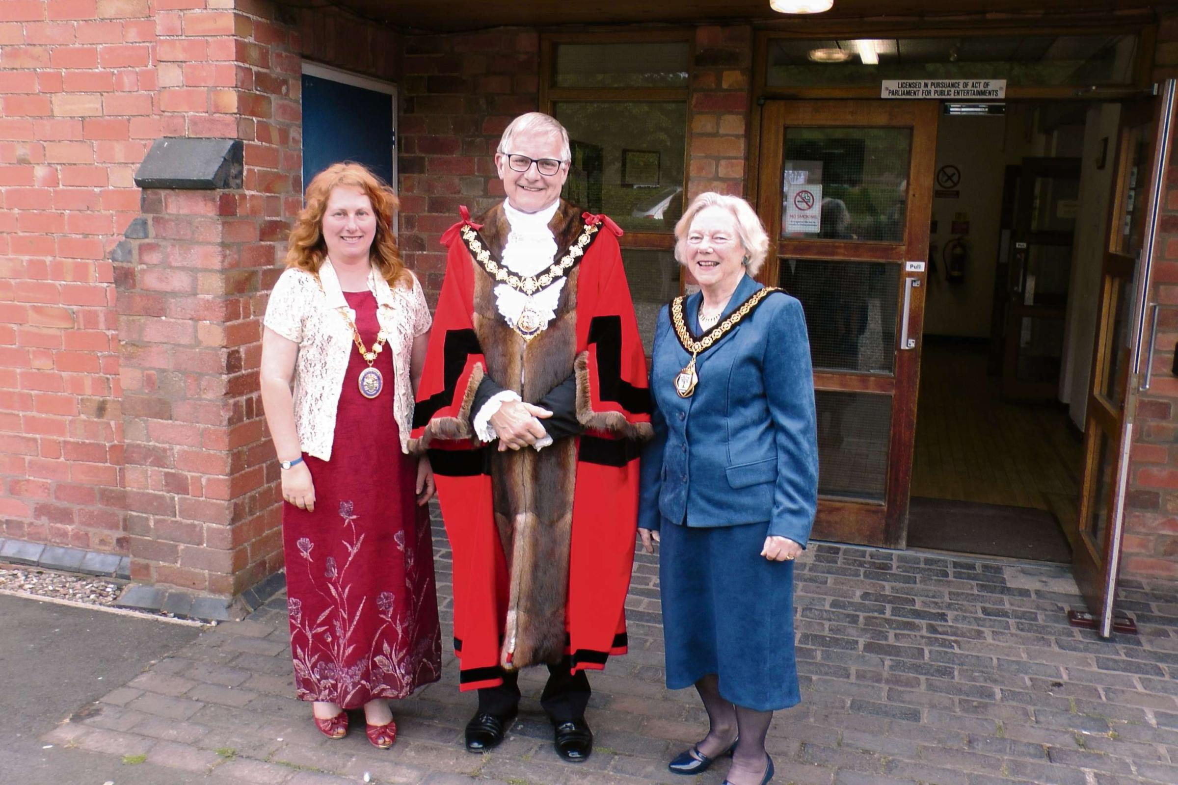 The new mayor of Droitwich Councillor Bob Brookes, with Councillor Lynne Duffy, chairman of Wychavon District Council, and Councillor Pam Davey, chairman of Worcestershire County Council. SP