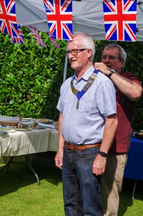 David Sherwen accepting the presidency of the Droitwich Lions. SP