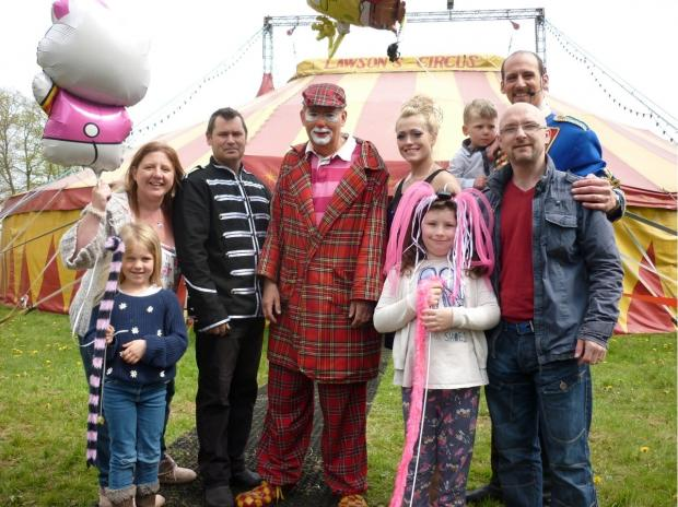 The Ruston-Webb family  with some of the circus performers from John Lawson's All-Human Circus. SP