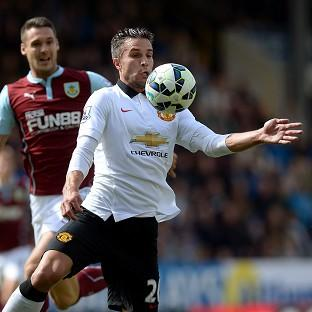 Juan Mata feels Manchester United played too many long balls towards Robin van Persie, pictured