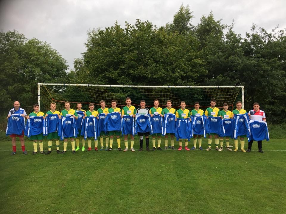 Cookley Sports show off their new kit sponsored by Stiltz Lifts